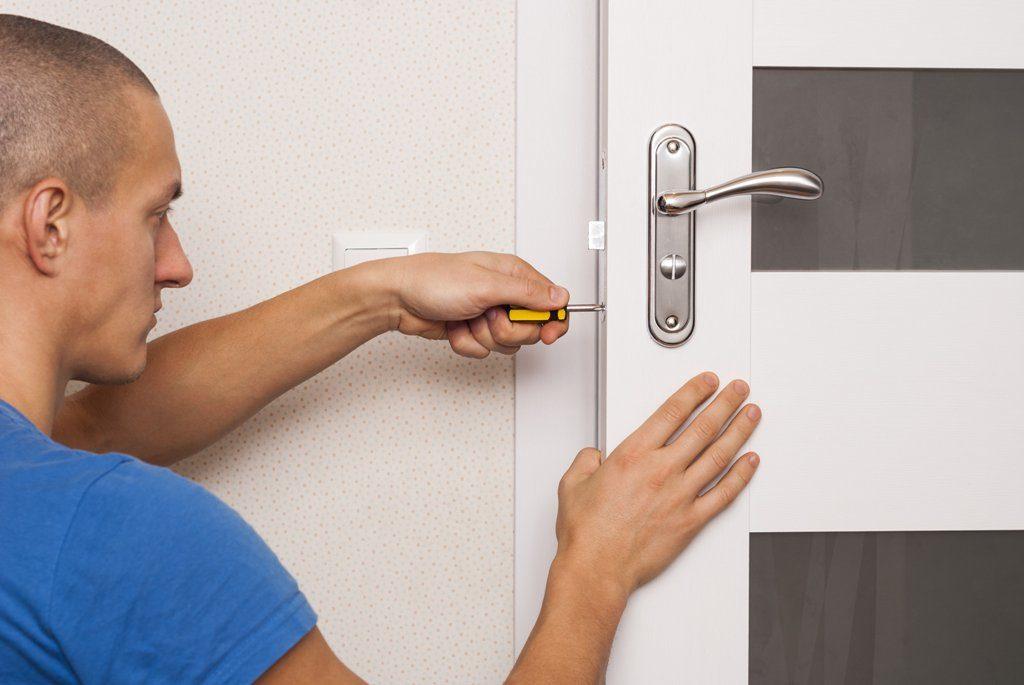 repair-or-replace-interior-door